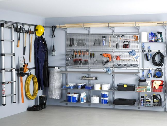 8 bargain organizers for a tidy garage for Costruendo un garage per 2 auto