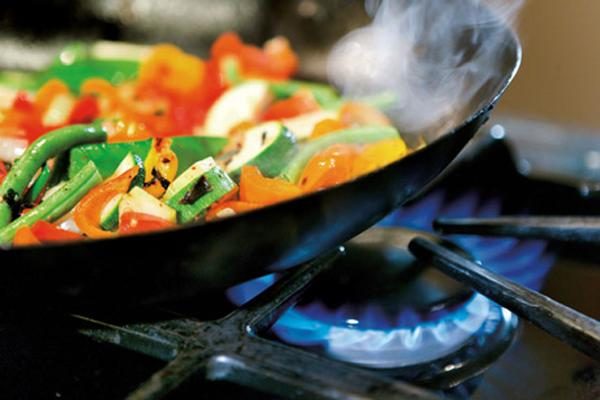 cooking with gas cooktops